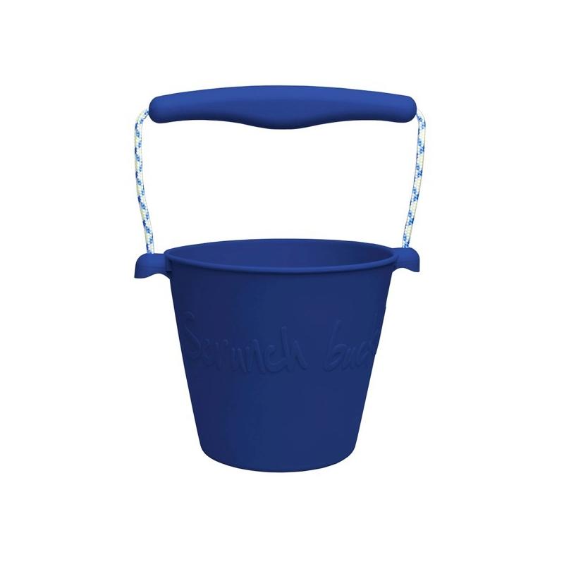 skladane-wiaderko-do-wody-i-piasku-scrunch-bucket-granatowy