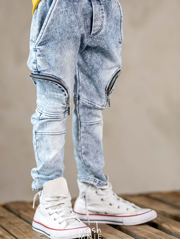 mashmnie-chlopiece-spodnie-jeansowe-niebieskie-z-kieszeniami-i-z-gumka-w-pasie